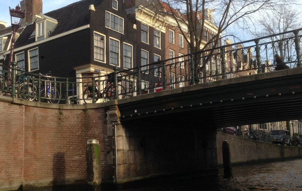 Amsterdam lungo i canali