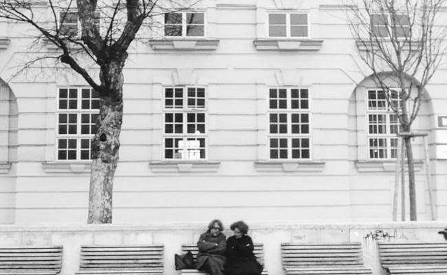 Vienna bn 01 coppia su panchina